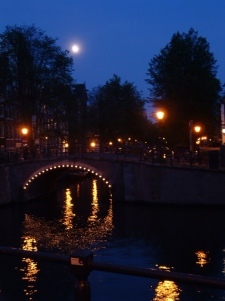 amsterdam-canal-scene